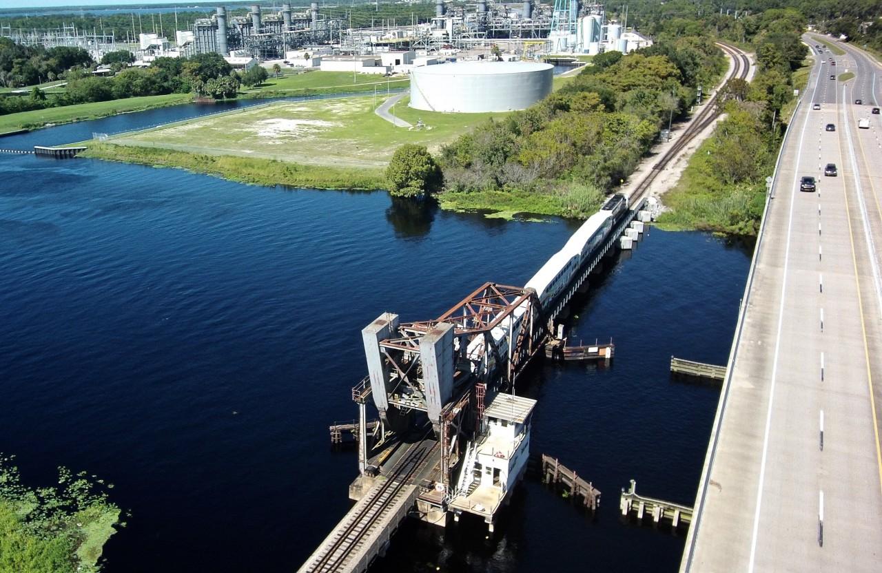 JANUARY 12, 2016 - VideoRay Remotely Operated Vehicle Used to Inspect Lake Monroe Railroad Bridge